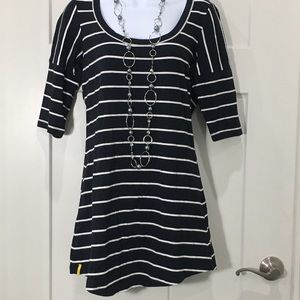 Lole Black white striped tunic size Medium